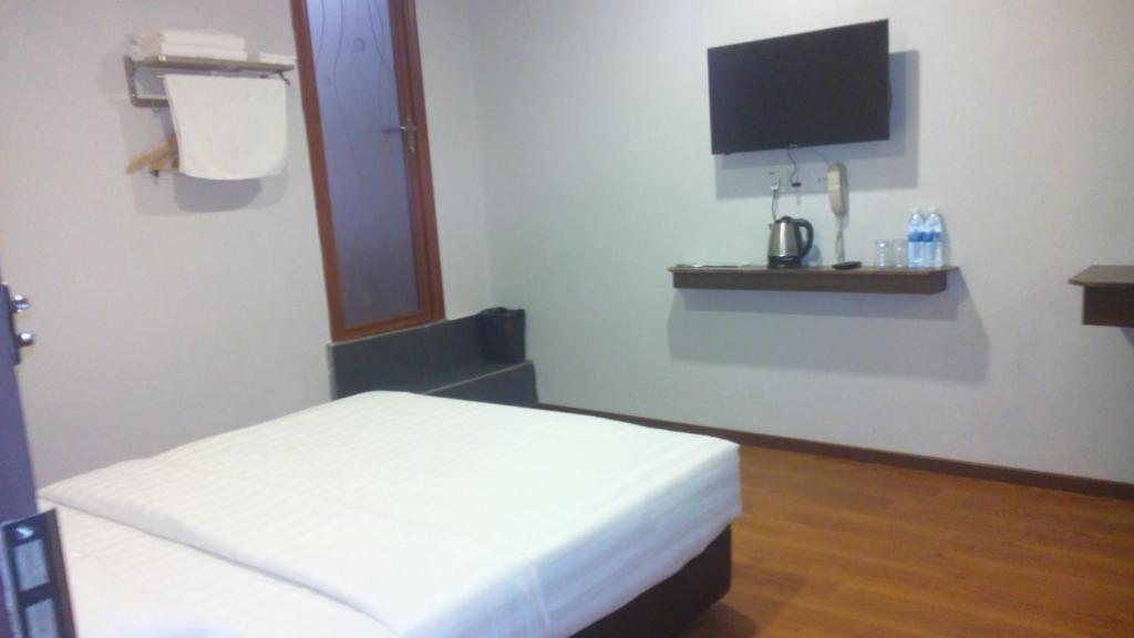 m empire motel miri updated 2019 prices rh booking com
