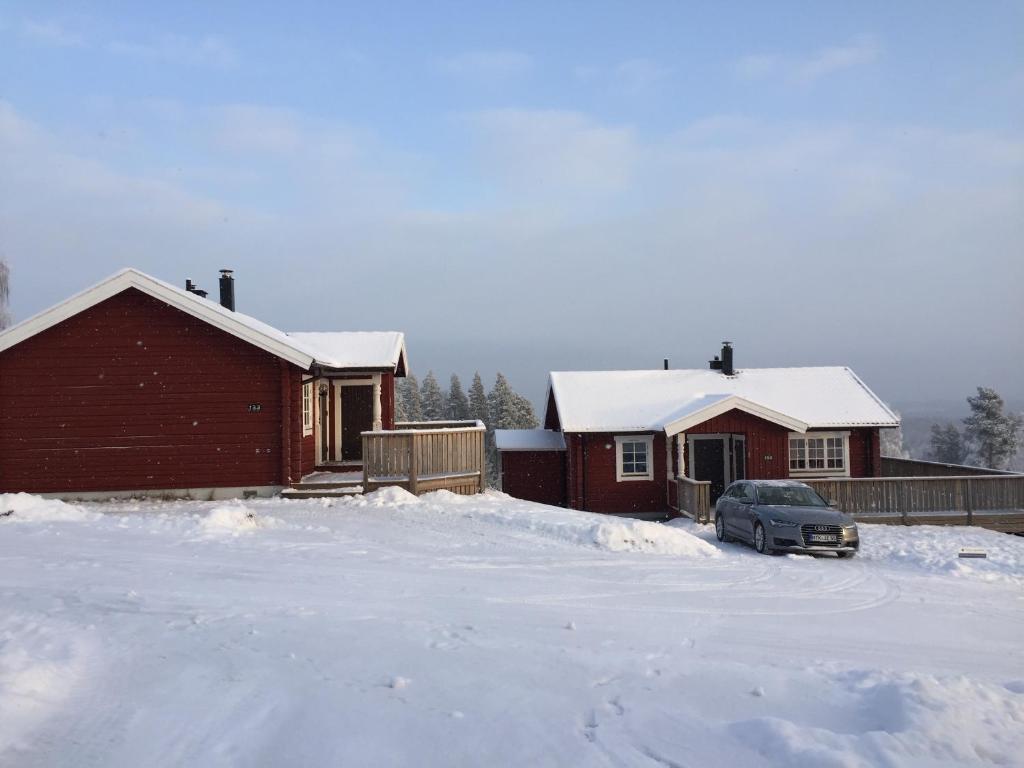 Björkberget Cottages Siljansnäs during the winter