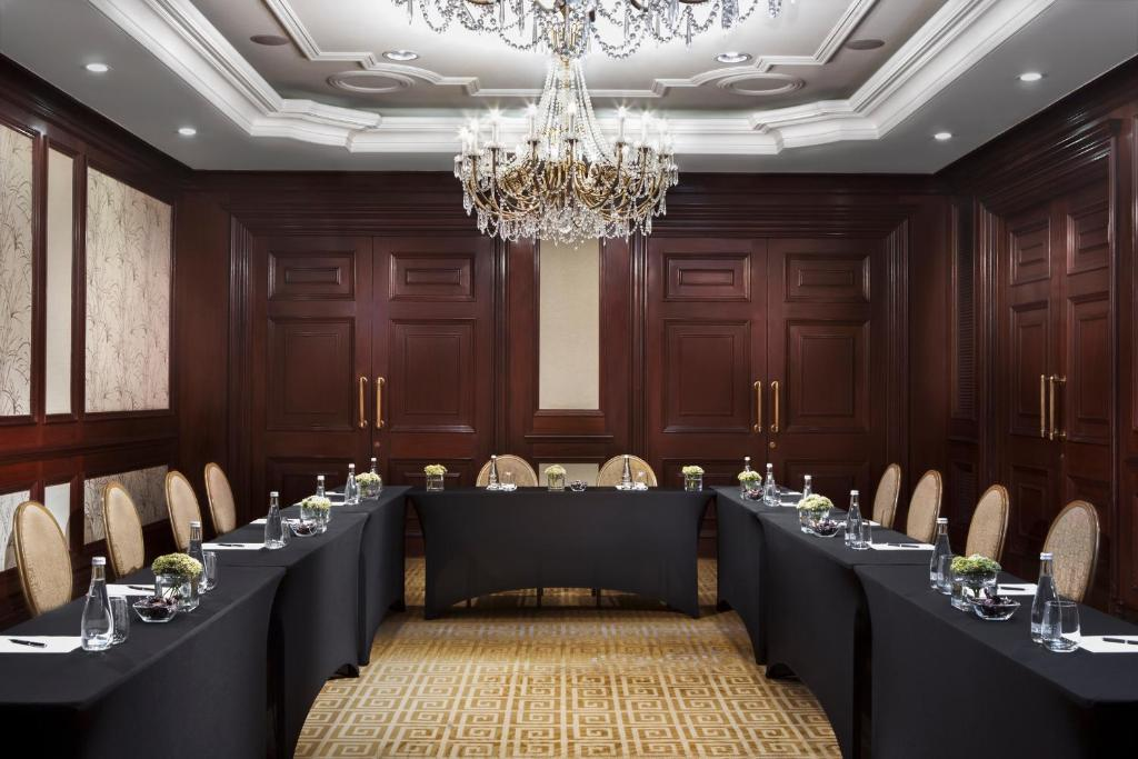 the ritz hotel essay While training at ritz-carlton is a rigorous process of identifying committed service professionals, individuals come to the company with varying levels of technical skill and backgrounds both inside and outside the hospitality industry.