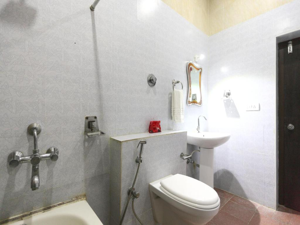 Bathroom Bazaar Hotel Oyo Rooms T Nagar Chennai India  Booking