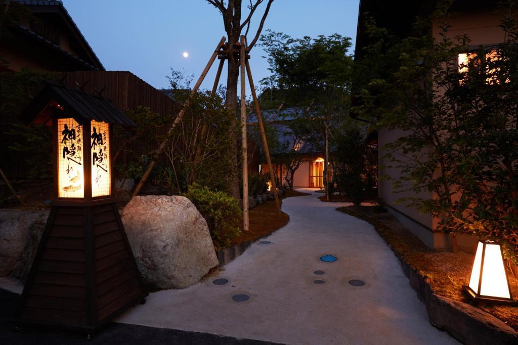 ポイント2.高千穂神社まで徒歩5分!高千穂を満喫できる立地