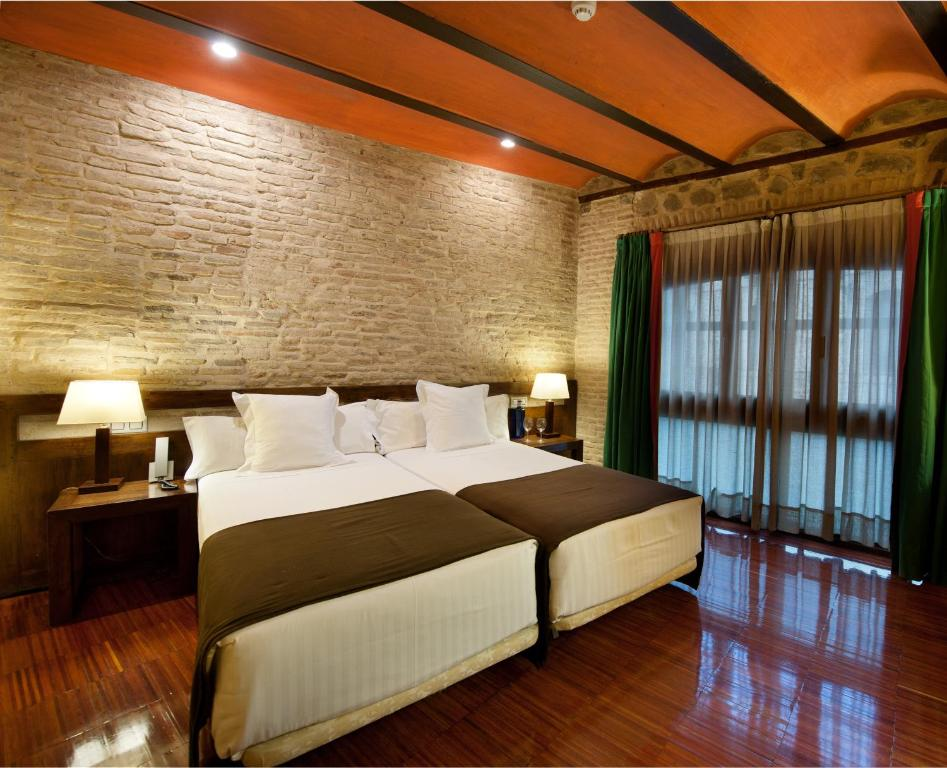 boutique hotels in toledo  10