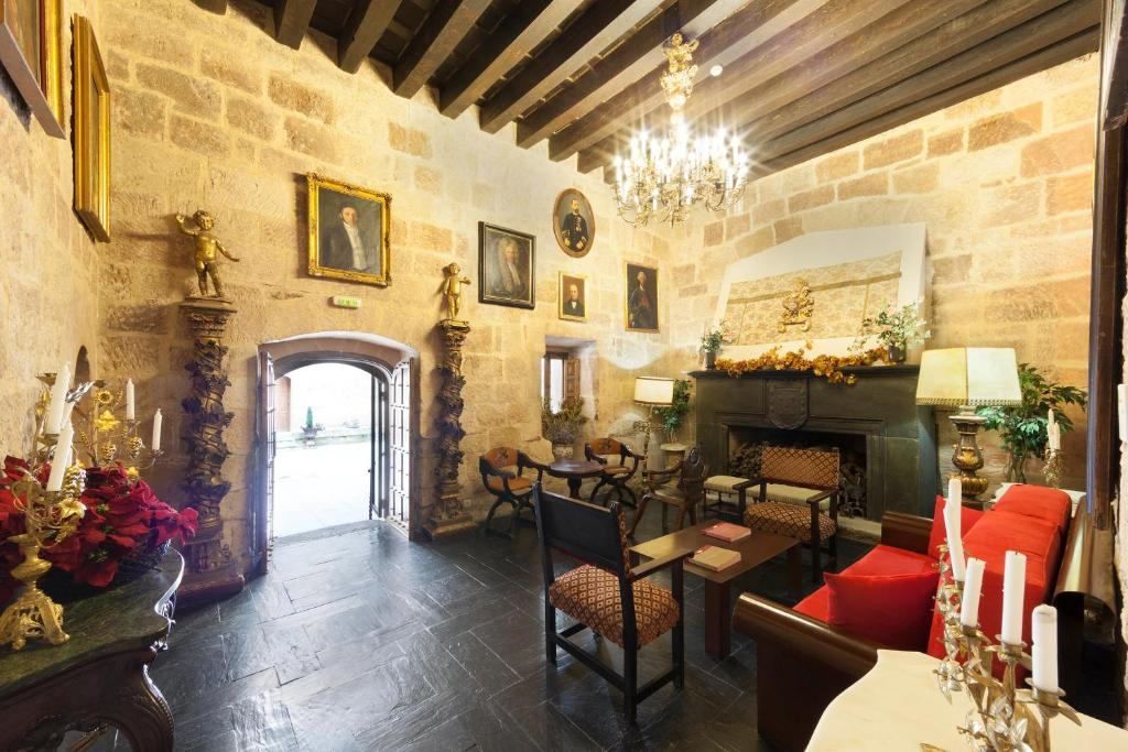 boutique hotels in villanueva de cañedo  16
