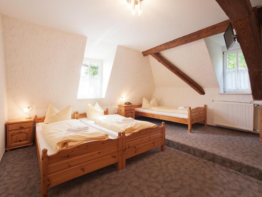 Hotel Zum Herrenhaus (Deutschland Behringen) - Booking.com