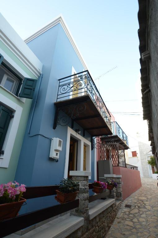 62097931 - Sailors House