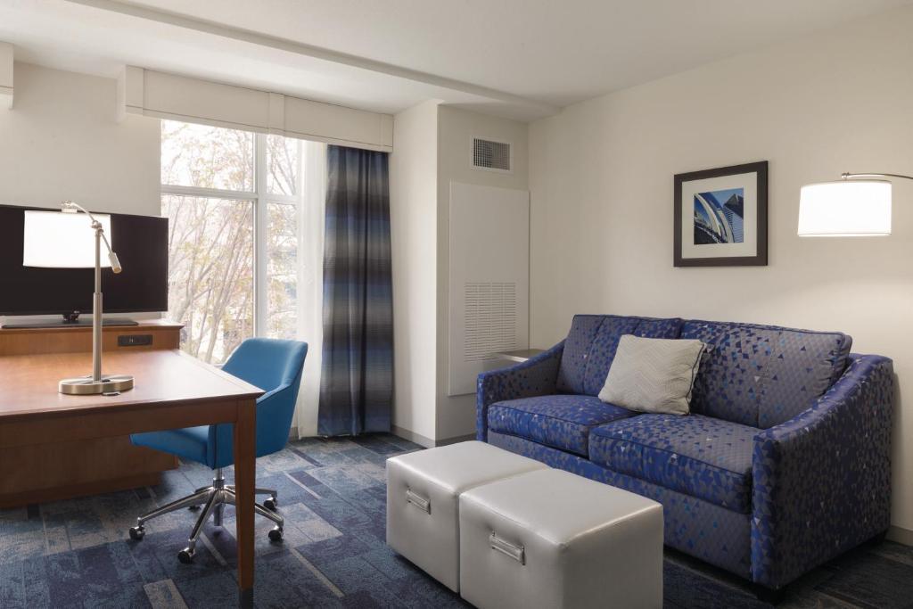 Hampton Inn & Suites Rosemont Chicago O\'Hare, Rosemont – Updated ...