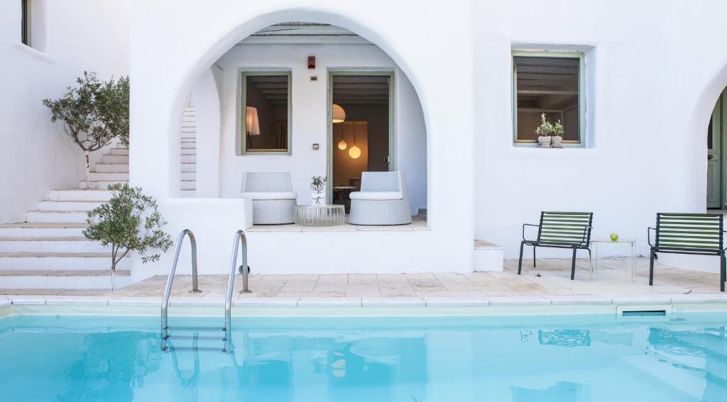 Дом с бассейном в Астипалея