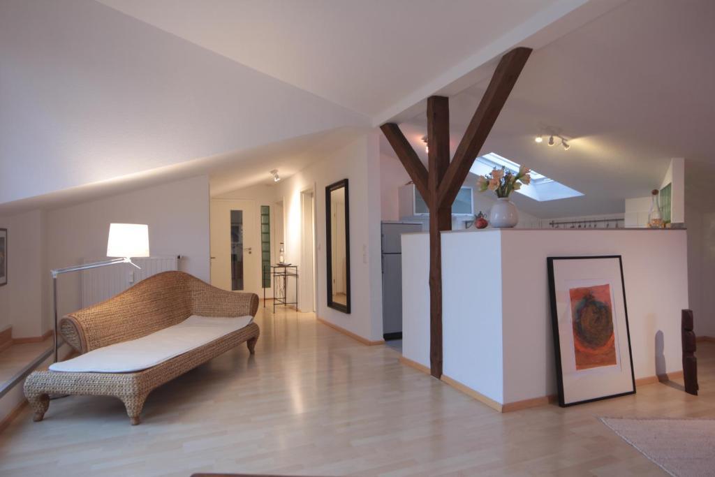 charmantes appartement design singapur, apartment charmante dachwohnung mit terrasse, mainz, germany, Design ideen