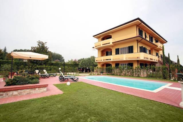 Casa Vacanze Villa Rosa (Italië Lucca) - Booking.com