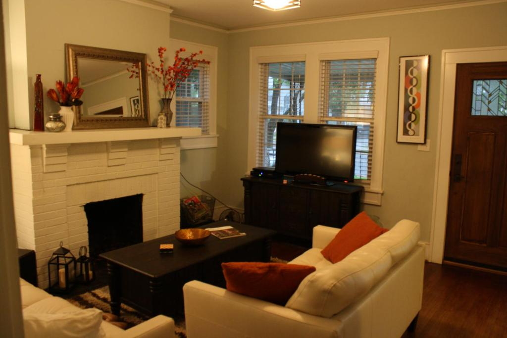 cozy renovated 1930 s bungalow charlotte nc booking com