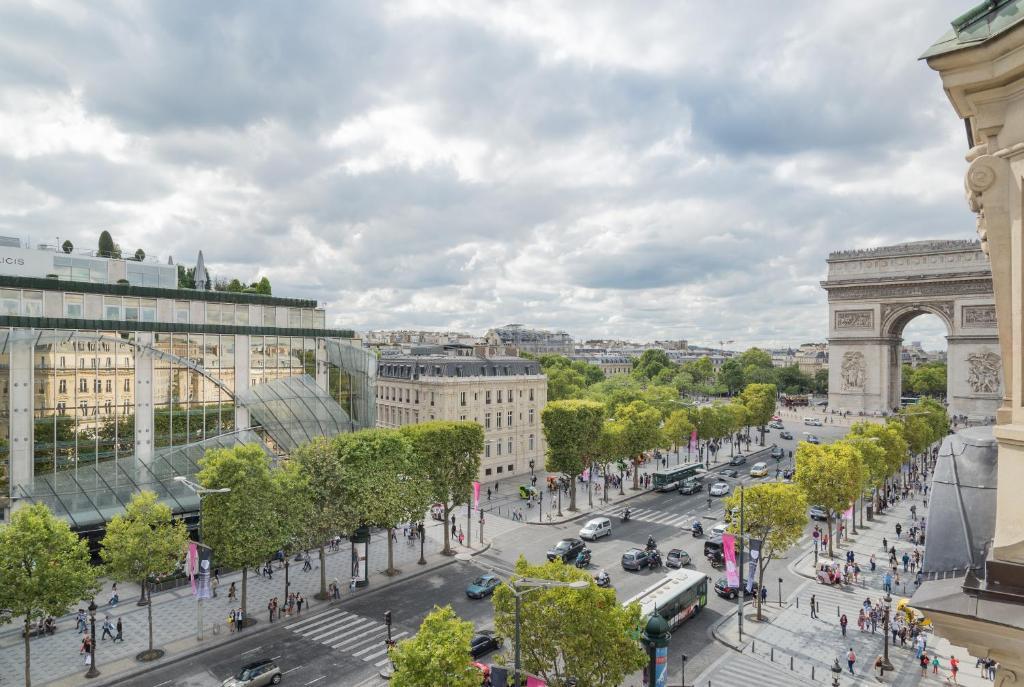 Foch Elysées Apartment, Paris, France - Booking.com