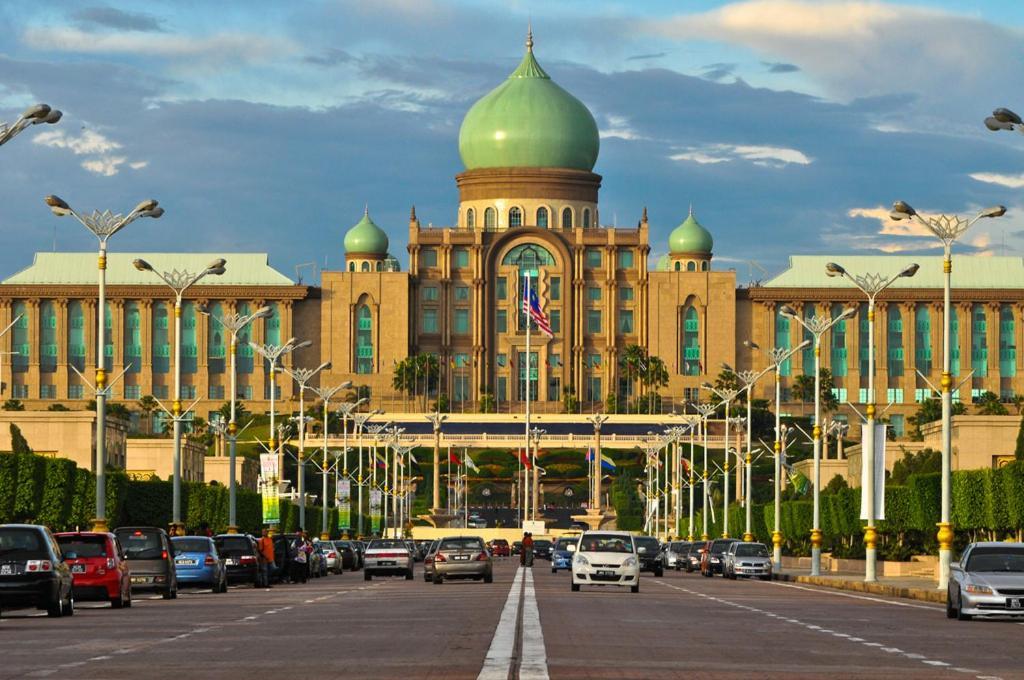 HOTEL MAYA KUALA LUMPUR $72 ($̶1̶0̶3̶) - Updated 2018