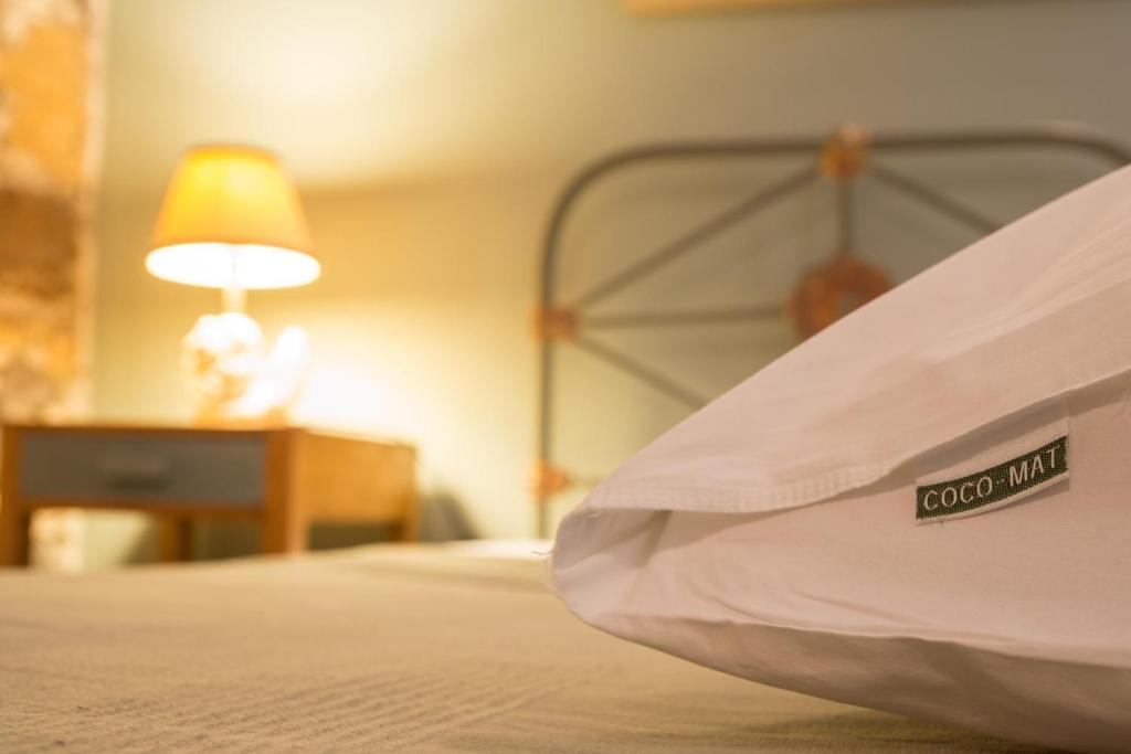 Αργοσαρωνικός-Μέθανα: Ανακαλύψαμε ένα αρχοντικό ξενοδοχείο πάνω στη θάλασσα,με 25 ευρώ το άτομο,που θα σας κάνει να παραμιλάτε...