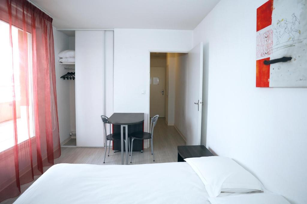 Condo Hotel Apparteo AixenProvence France Bookingcom