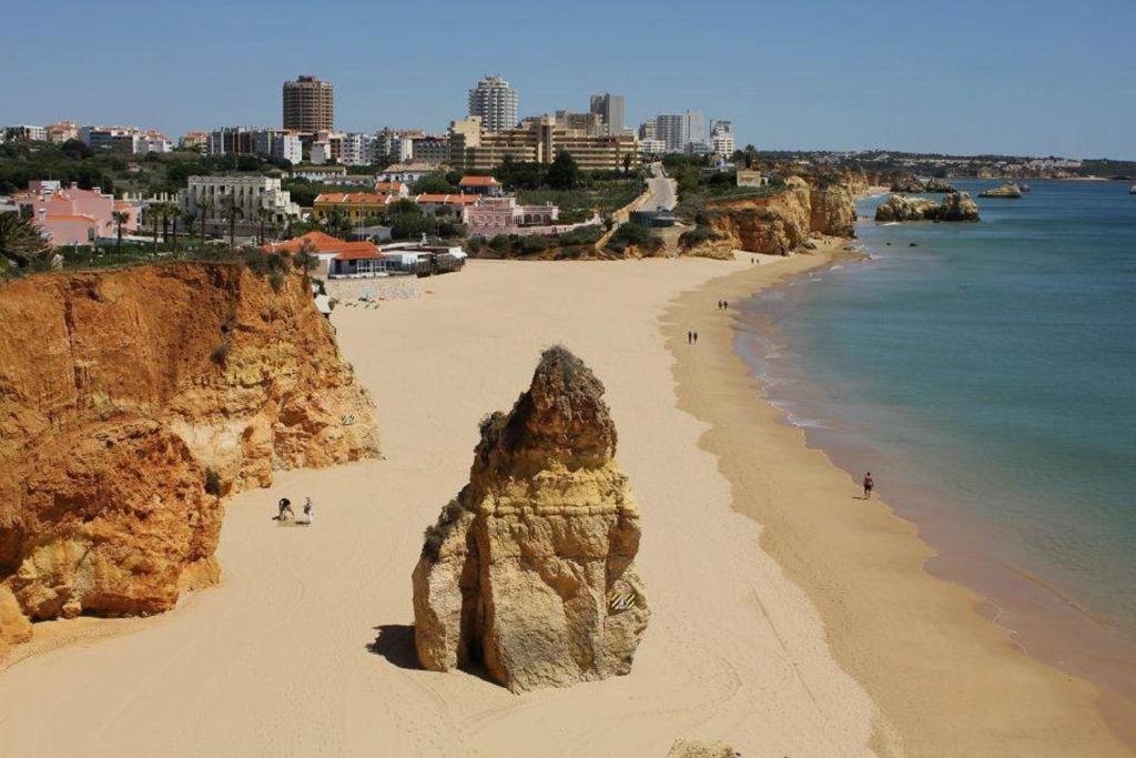 Apartamentos turisticos coral do vau portim o updated 2018 prices - Apartamentos algarve ...