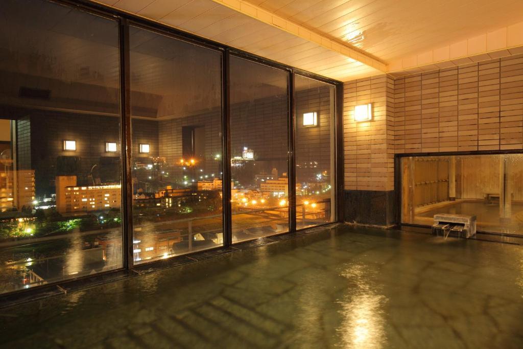 ポイント2.最上階の展望大浴場