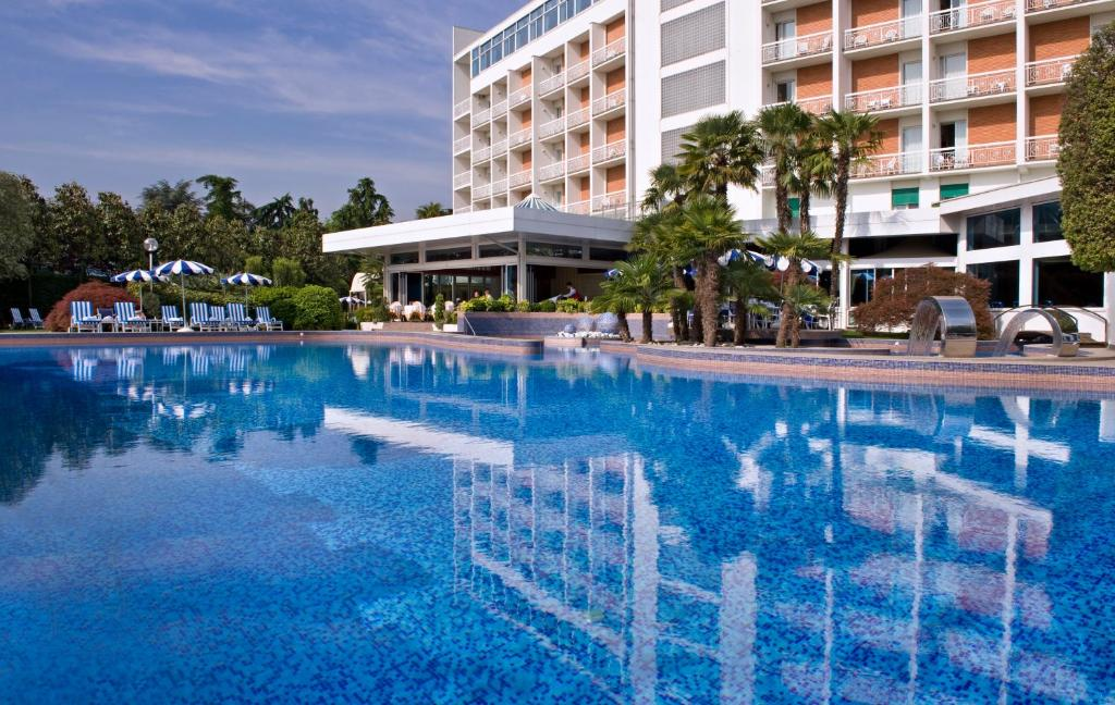 Grand hotel terme montegrotto terme prezzi aggiornati per il 2019 - Petrarca piscine prezzi ...