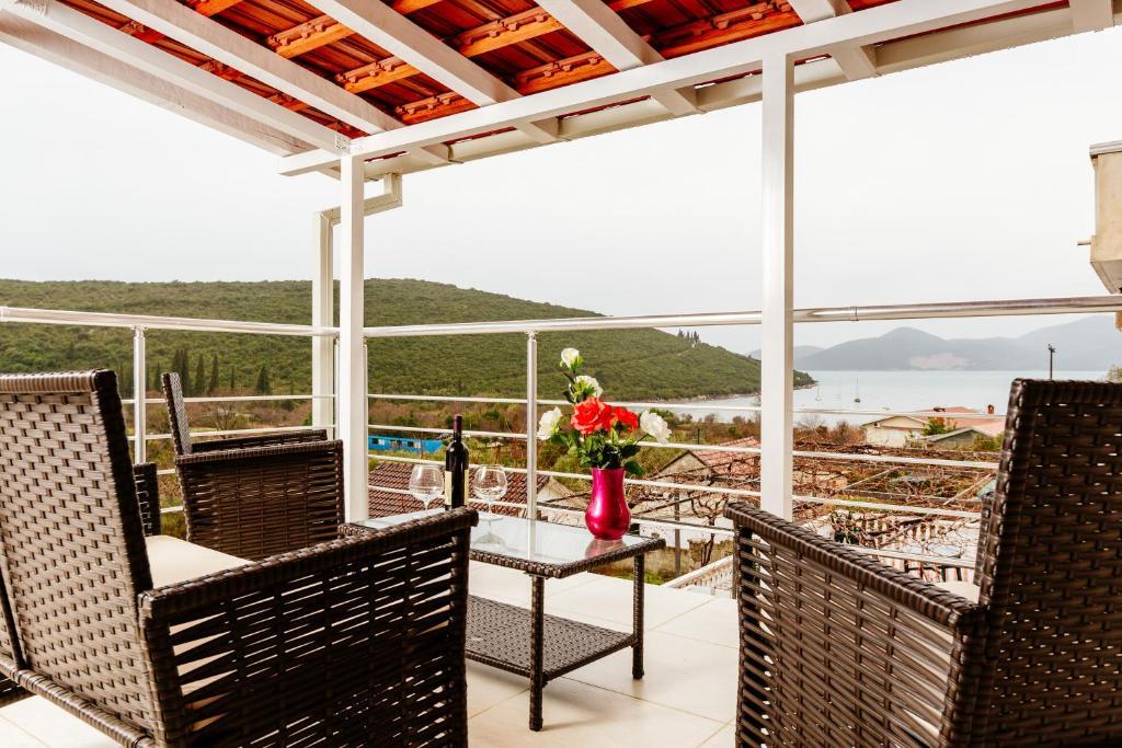 A balcony or terrace at Bigova Sea Views Apartments