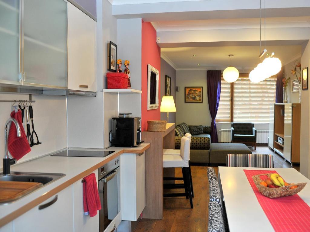 24 kitchen bulgaria online dating