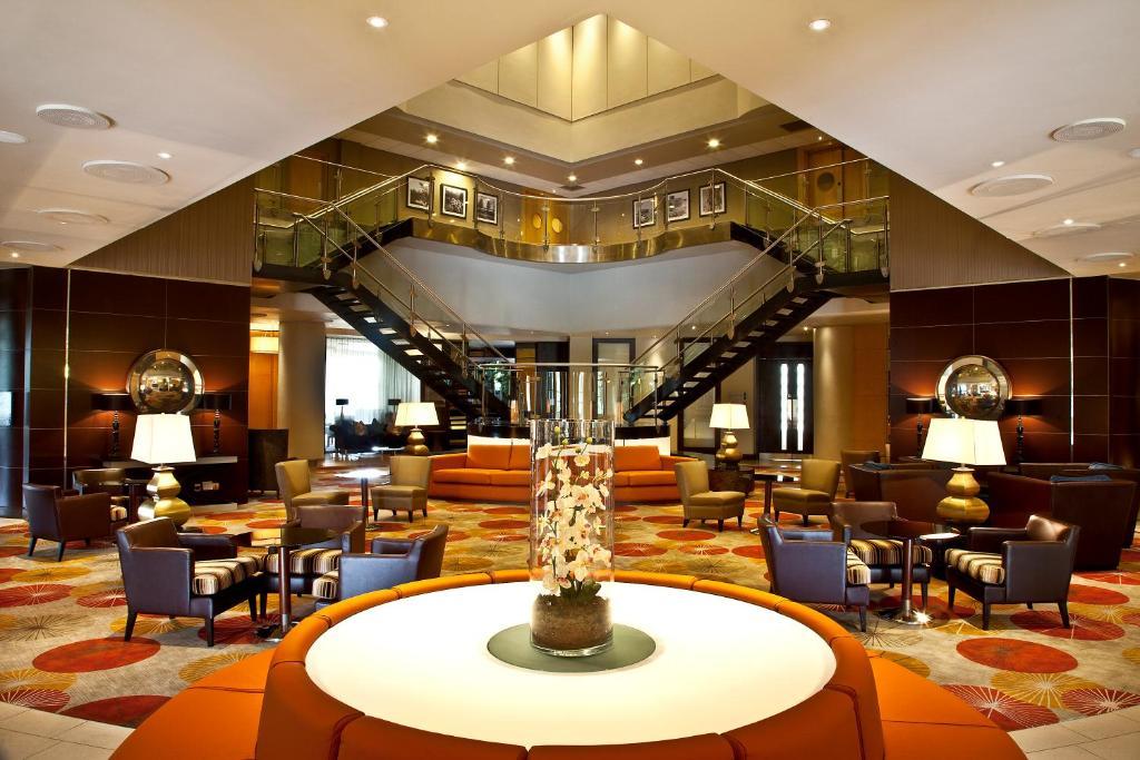Hotel Crowne Plaza Five Lakes (Verenigd Koninkrijk Tolleshunt ...
