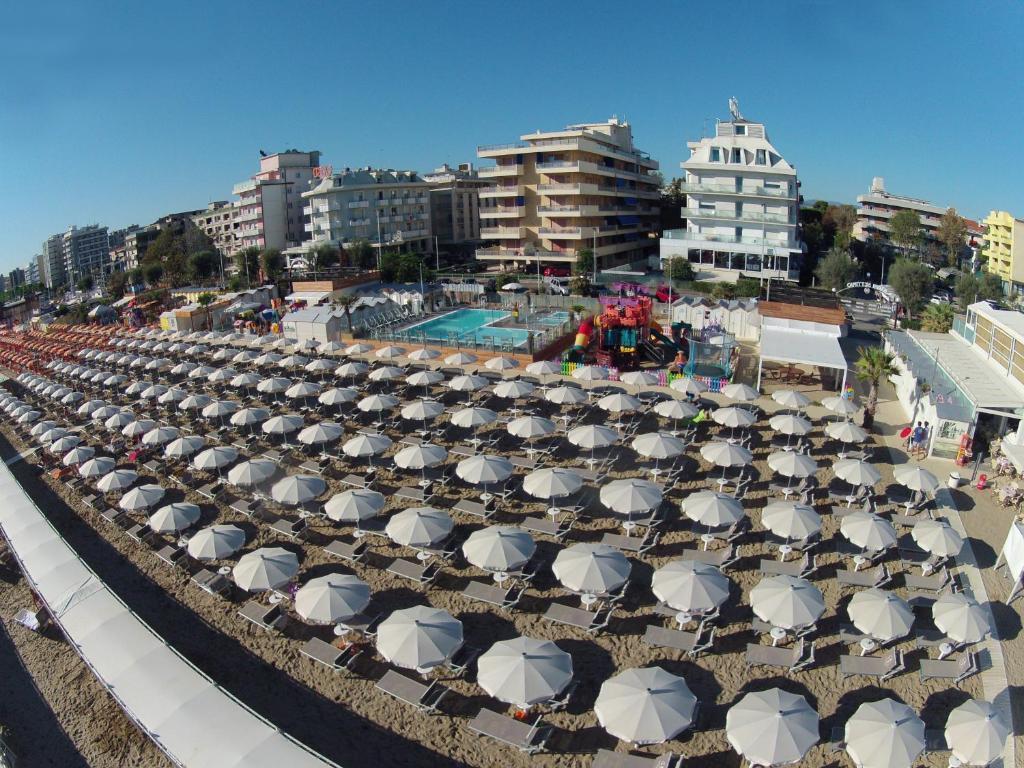 Hotel roland italia riccione - Bagno 99 riccione ...