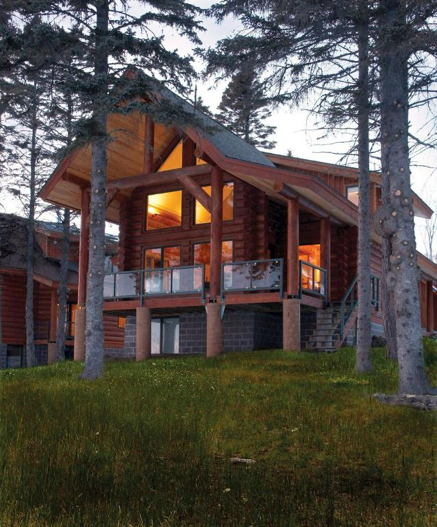Luxury Lake Homes In Minnesota: Vacation Home Temperance Landing On Lake Superior, Tofte