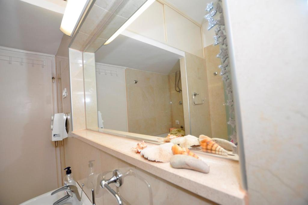 Apartment balcony split croatia for Balcony booking