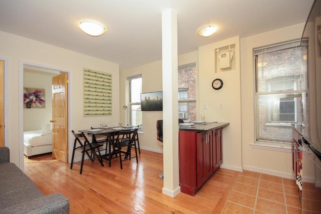 2 bedroom rentals in new york city. gallery image of this property 2 bedroom rentals in new york city f
