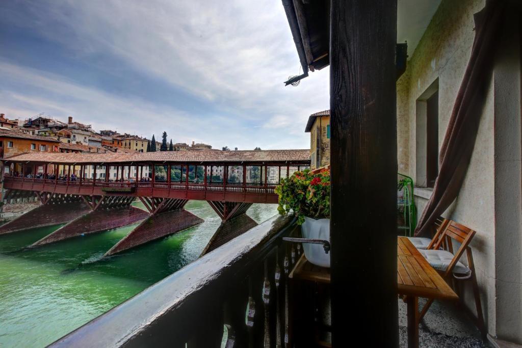 appartamenti ponte vecchio bassano del grappa italy