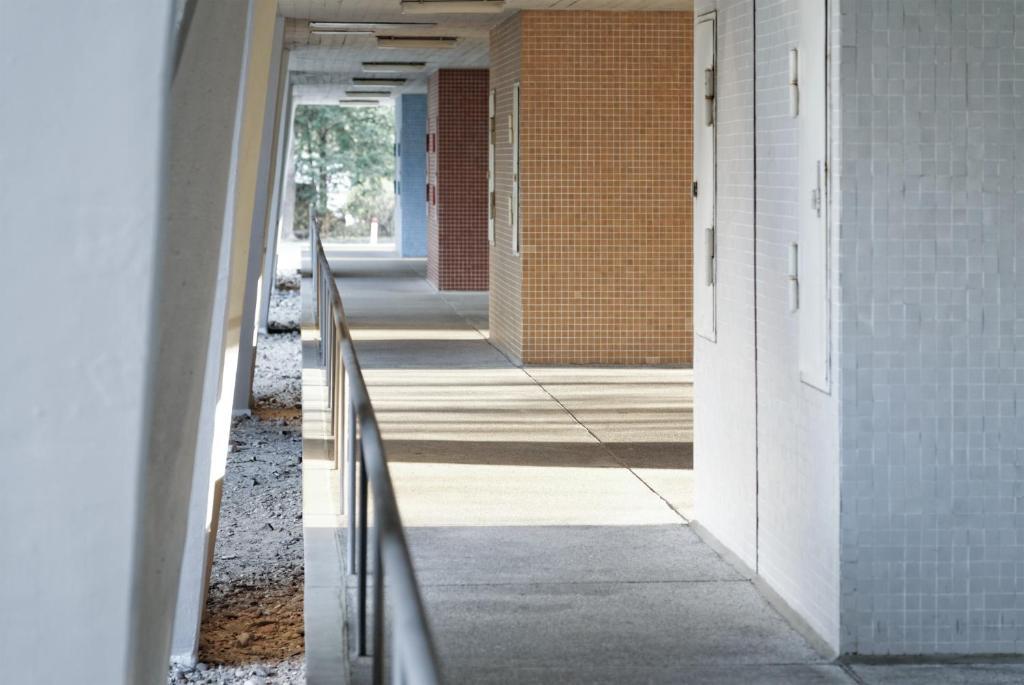 oscar niemeyer apartment deutschland berlin. Black Bedroom Furniture Sets. Home Design Ideas