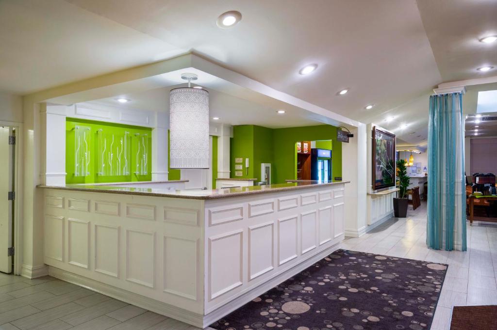 Hilton Garden Inn Queens/JFK, Queens – Updated 2018 Prices