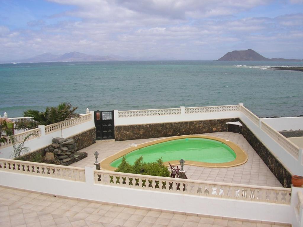 Dolphin House imagen