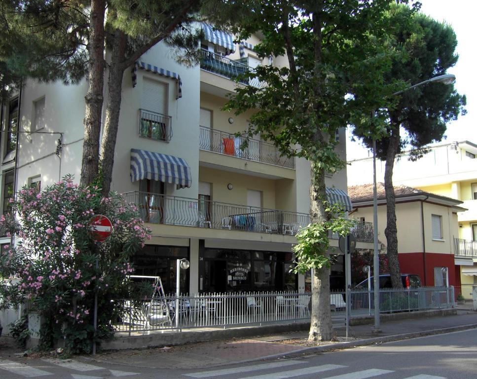 Residence monaco appartamenti rimini italy for Appartamenti rimini