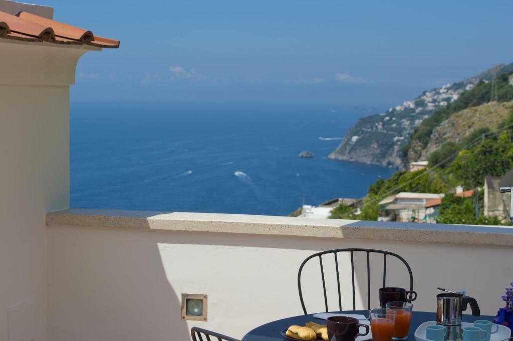 A balcony or terrace at Appartamento Giunone