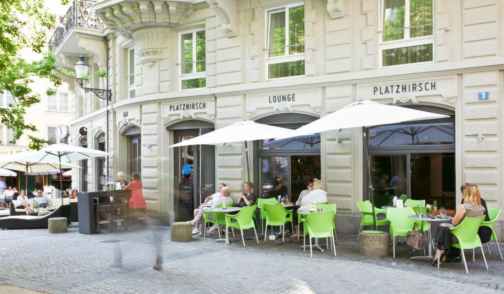 A restaurant or other place to eat at Hotel Platzhirsch