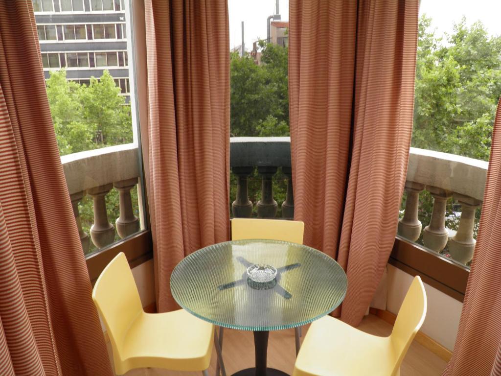 Apartaments Sant Jordi Santa Anna 2 foto