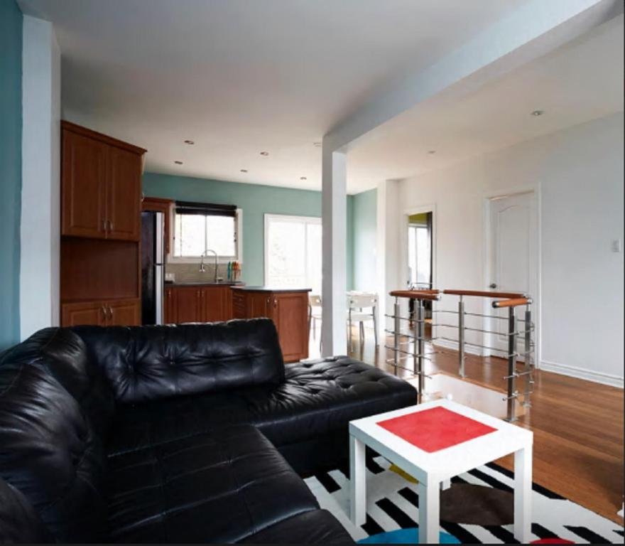 Classy Comfortable Condo Basement, Montreal, Canada