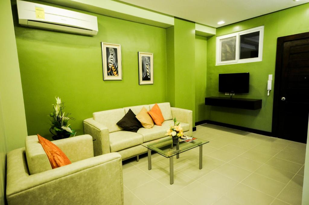 Apartment Santoni's Place, Cebu City, Philippines - Booking.com