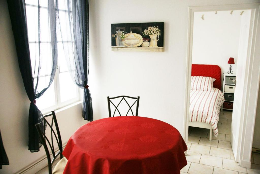 Apartments In Pitres Upper Normandy