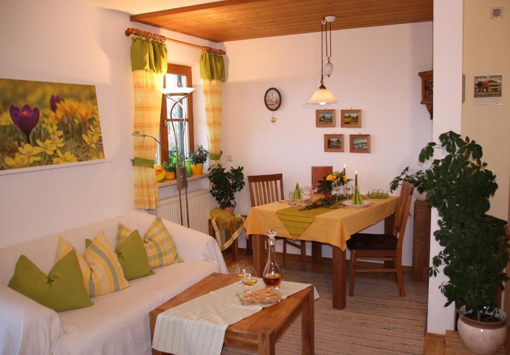 Apartment Ferienwohnung Freissl Rottenbuch Germany Booking Com