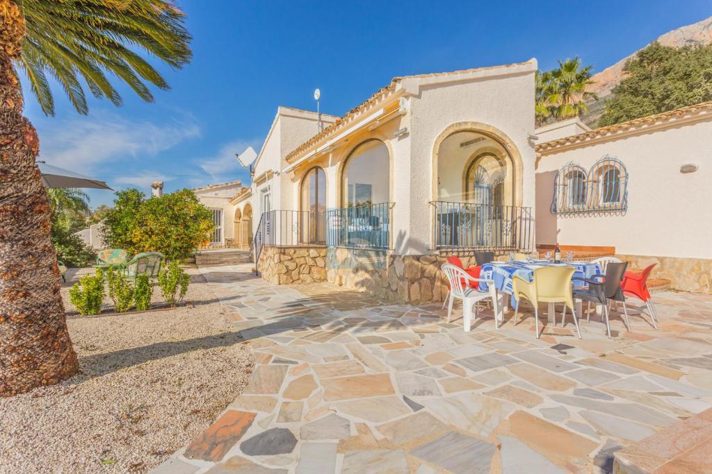 Villa corona spania montgo for Villas corona
