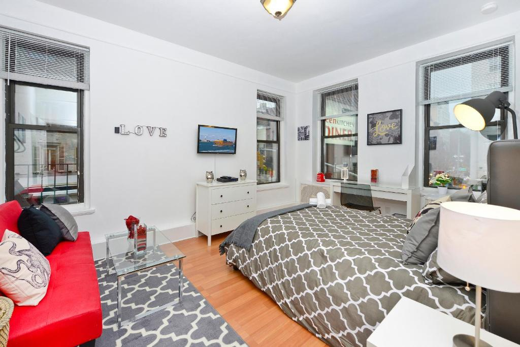 Apartment Three Bdrm Apt Upper East Side, New York City, NY ...