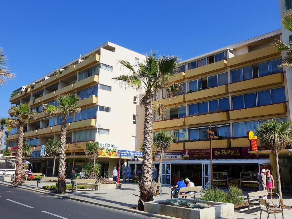 Apartment plein sud 7 canet plage france for Appart hotel sud est france
