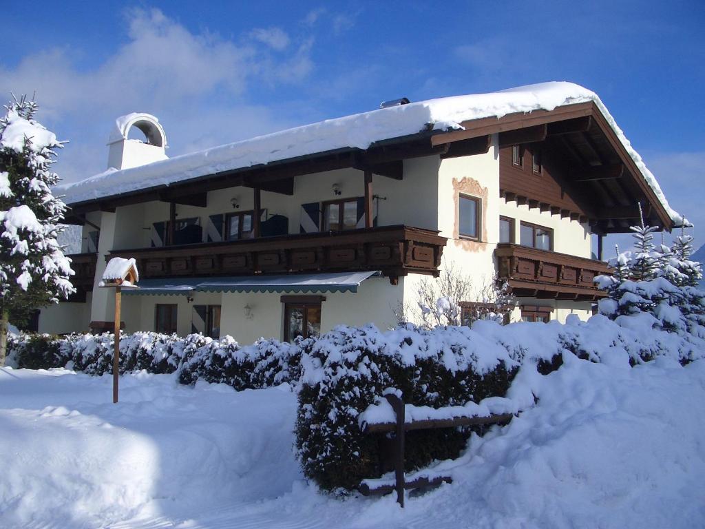 Apartment Landhaus Tirolerhof, Sankt Johann in Tirol, Austria ...