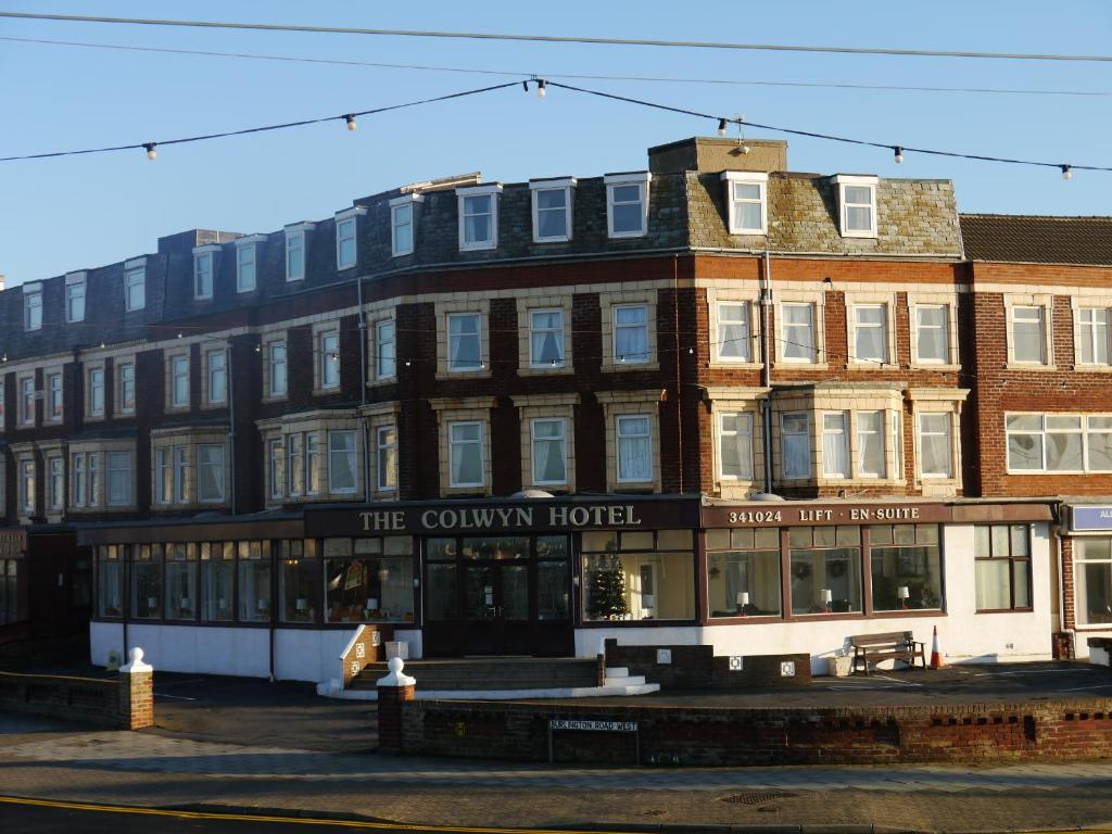 Hotels Near The Winter Gardens Blackpool Part - 41: The Colwyn Hotel - Near Pleasure Beach, Blackpool (UK) Rooms