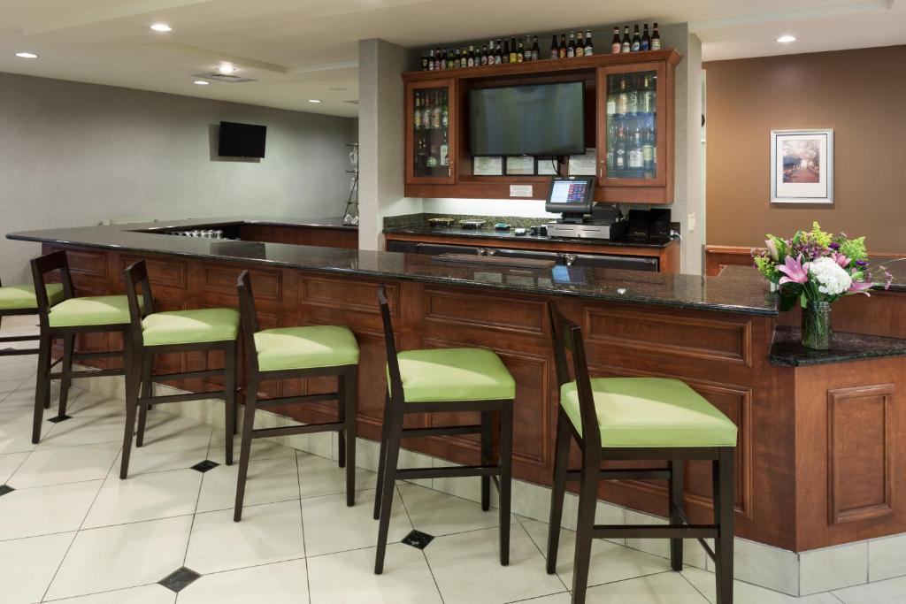 gallery image of this property - Hilton Garden Inn Austin North