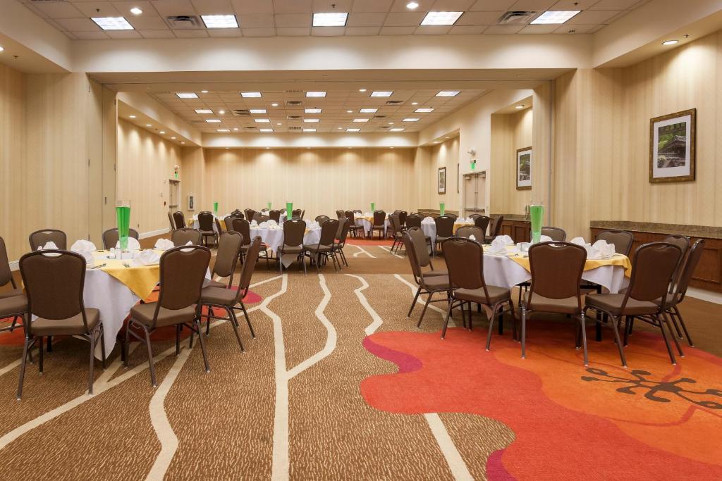 Room Picture Of Hilton Garden Inn Dallas Market Center