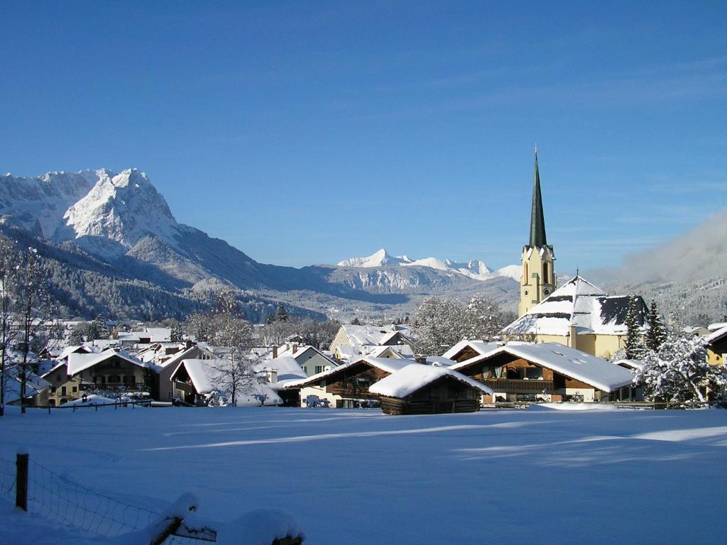 Alpin ferienwohnungen garmisch garmisch partenkirchen for Designhotel garmisch