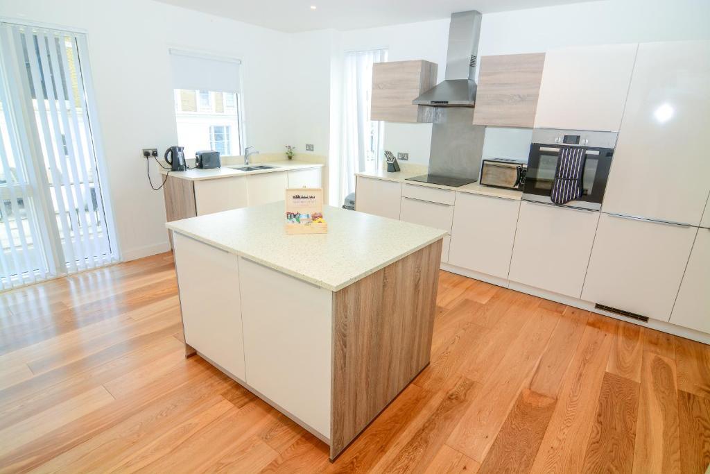 Apartment Wharf - Cambridge Avにあるキッチンまたは簡易キッチン