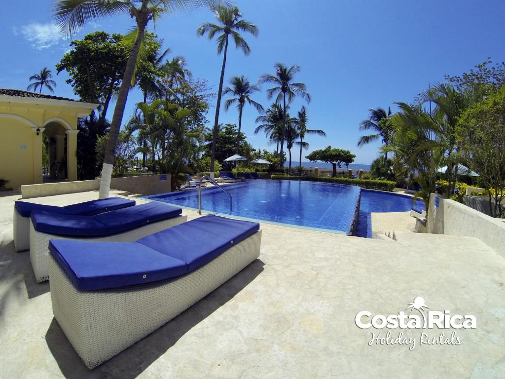 Apartment beachfront pool garden view a501 jac costa for Pool design costa rica